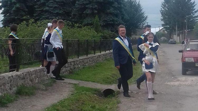 Подпись выпускники в селе Озерна