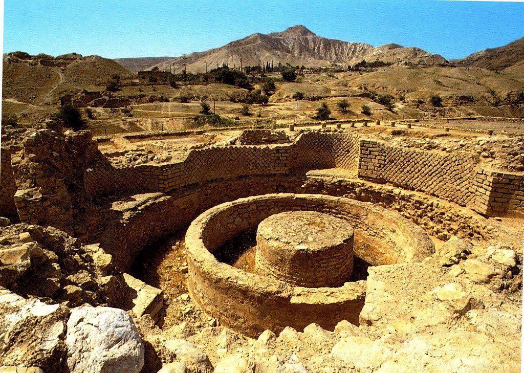 Древнейший город планеты – Иерихон. Когда там развивалась цивилизация, сегодняшних европейских и американских мегаполисов и в проекте не было… И лягушки, которые квакали на «тех болотах», ещё не родились…