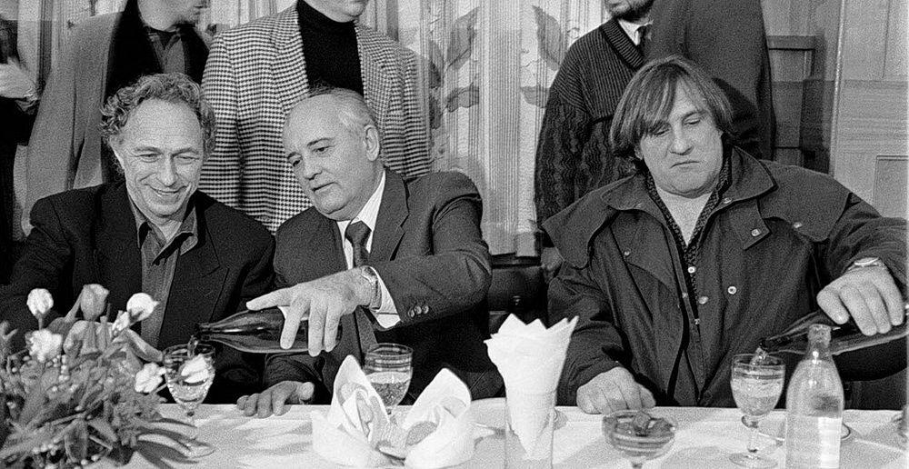 М.С. Горбачёв любил, когда его должность мягко переиначивали в «минеральный секретарь». Но чаще его называли «сокин сын»…