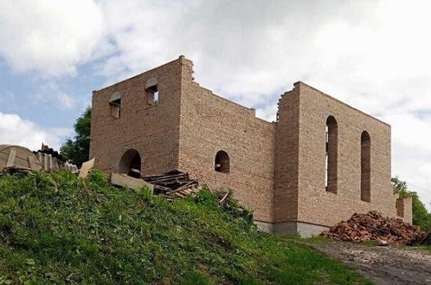 Растут стены нового храма в селе Ростоки на Тернопольщине