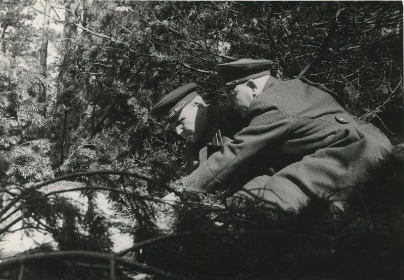 Маршал Конев и генерал Пухов во время подготовки операции