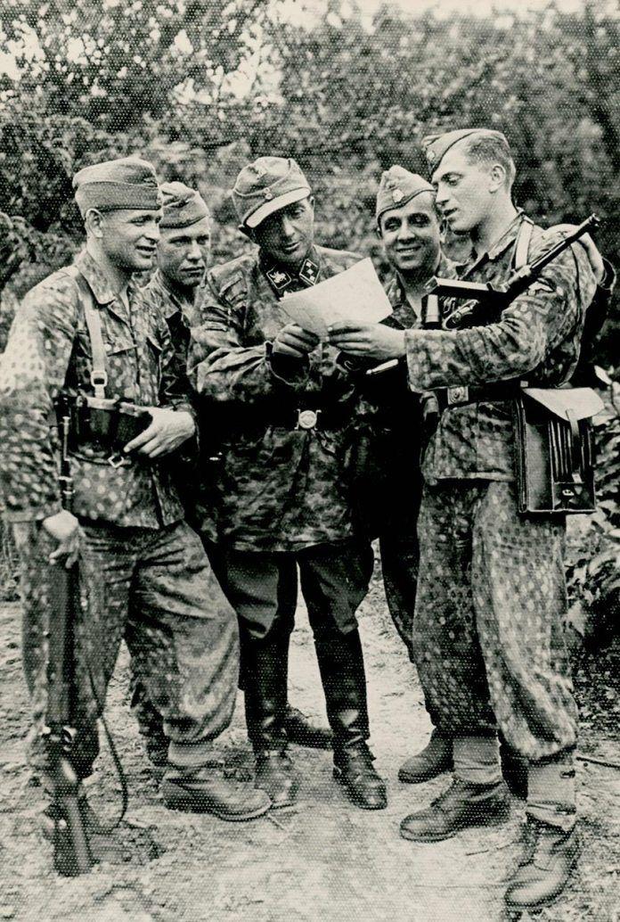 «Дивізійникі» во главе с унтерштурмфюрером СС Лищинским