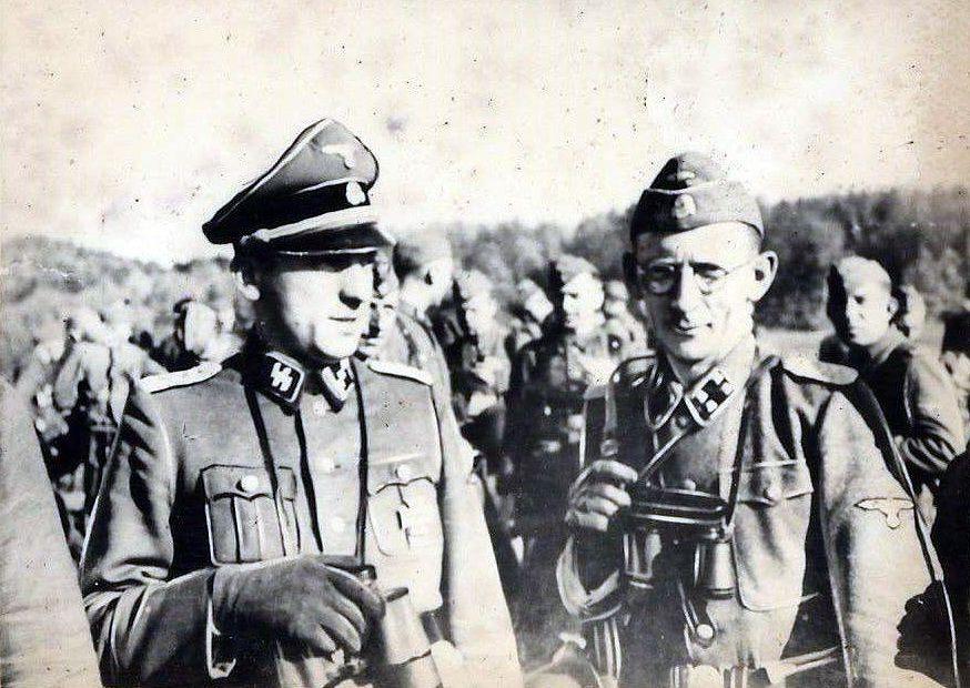 Один из выживших эсэсовцев Евген Побегущий (в очках)